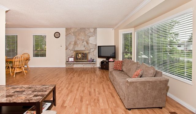 """Photo 5: Photos: 14743 89TH Avenue in Surrey: Bear Creek Green Timbers House for sale in """"GREEN TIMBERS"""" : MLS®# F1114759"""