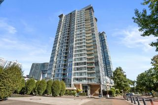"""Photo 1: 3F 1067 MARINASIDE Crescent in Vancouver: Yaletown Townhouse for sale in """"Quaywest"""" (Vancouver West)  : MLS®# R2620877"""