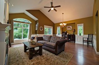 Photo 4: 8550 DOERKSEN Drive in Mission: Mission BC House for sale : MLS®# R2084390