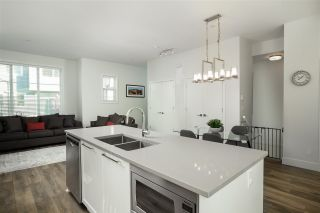 """Photo 6: 55 8217 204B Street in Langley: Willoughby Heights Townhouse for sale in """"EVERLY GREEN"""" : MLS®# R2437299"""