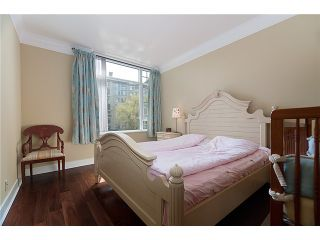"""Photo 5: 320 4685 VALLEY Drive in Vancouver: Quilchena Condo for sale in """"MARGUERITE HOUSE I"""" (Vancouver West)  : MLS®# V883578"""