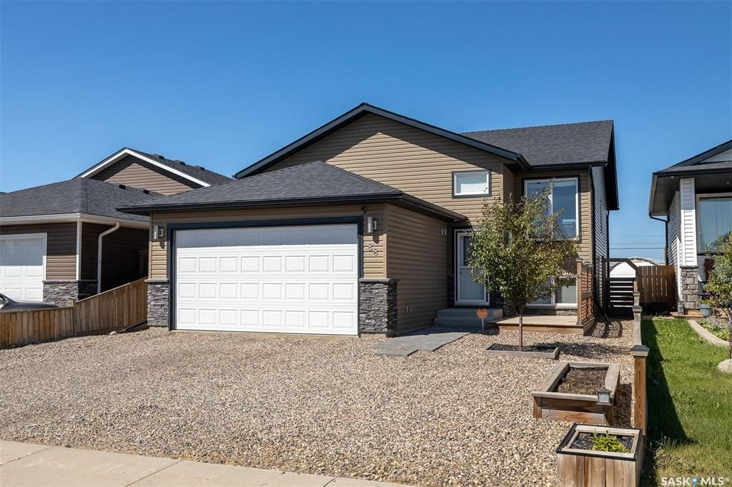 Main Photo: 88 Martens Crescent in Warman: Residential for sale : MLS®# SK866812