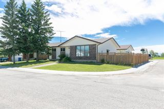 Photo 2: 27 Beaver Place: Beiseker Detached for sale : MLS®# C4306269