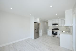 Photo 3: 870 E 58TH Avenue in Vancouver: South Vancouver 1/2 Duplex for sale (Vancouver East)  : MLS®# R2443713