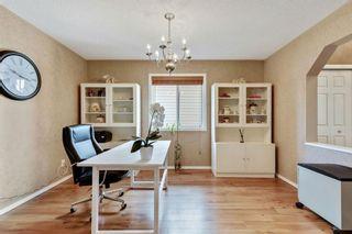 Photo 8: 137 Douglas Glen Manor SE in Calgary: Douglasdale/Glen Detached for sale : MLS®# A1116437