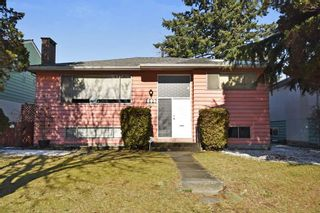 Photo 1: 2627 E 56TH Avenue in Vancouver: Fraserview VE House for sale (Vancouver East)  : MLS®# R2243250