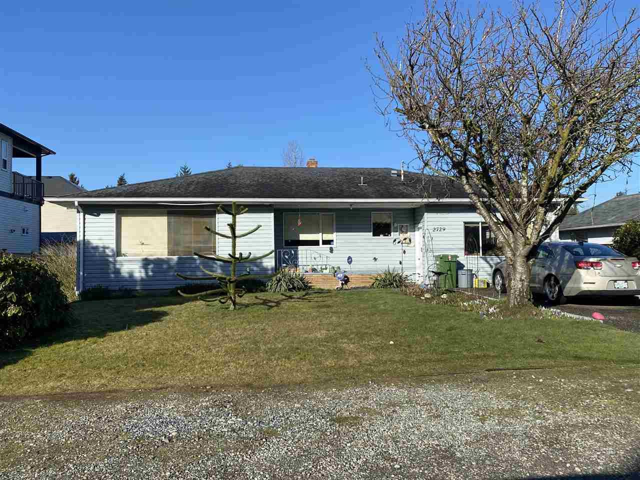 Main Photo: 2729 CENTENNIAL Street in Abbotsford: Abbotsford West House for sale : MLS®# R2552738