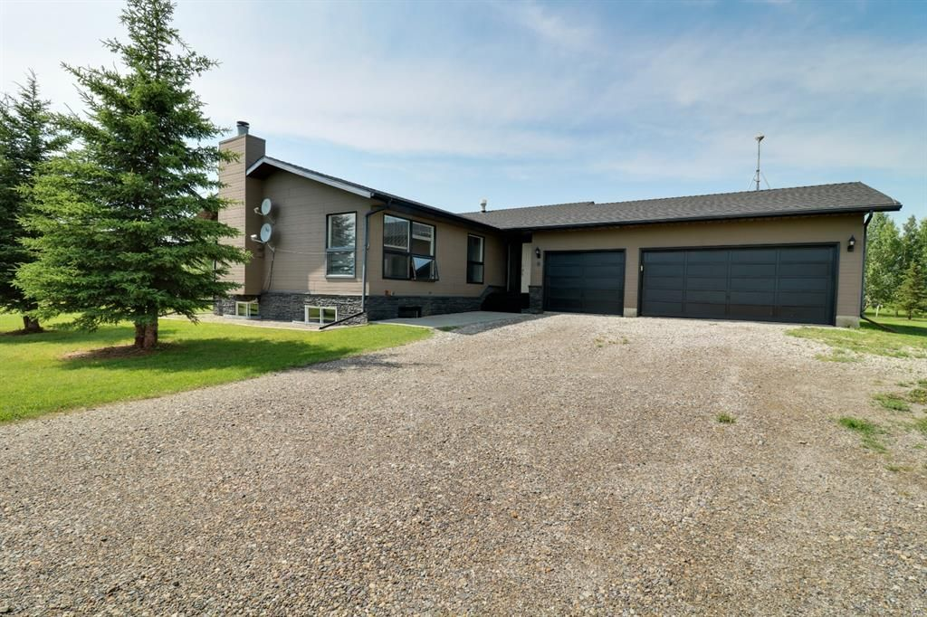 Main Photo: 8 Pleasant Range Place NE in Rural Rocky View County: Rural Rocky View MD Detached for sale : MLS®# A1129975