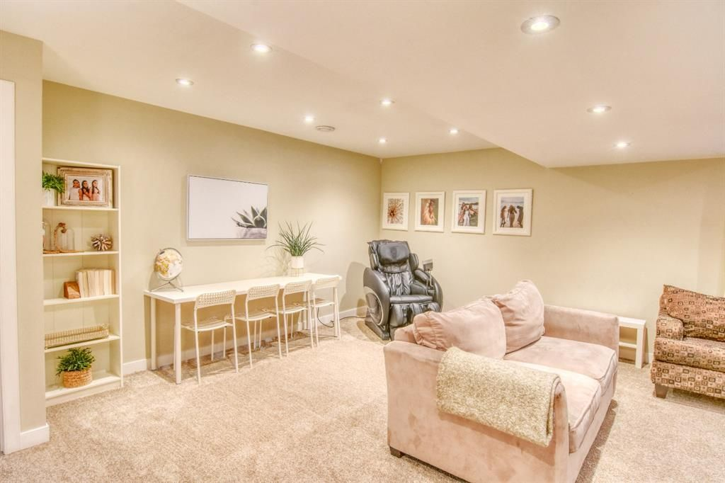 Photo 19: Photos: 66 Bridlerange Circle SW in Calgary: Bridlewood Detached for sale : MLS®# A1099758
