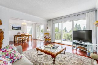 Photo 3: 3470 CARNARVON AVENUE in North Vancouver: Upper Lonsdale House for sale : MLS®# R2212179