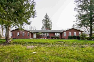 Photo 2: 25170 32 Avenue in Langley: Otter District House for sale : MLS®# R2543357