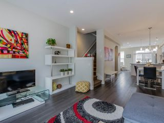 """Photo 6: 9 2469 164 Street in Surrey: Grandview Surrey Townhouse for sale in """"Abby Road"""" (South Surrey White Rock)  : MLS®# R2063728"""