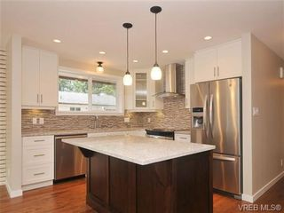Photo 5: 970 Haslam Ave in VICTORIA: La Glen Lake House for sale (Langford)  : MLS®# 679799