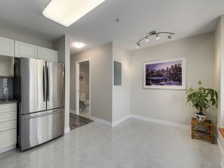 Photo 10: 132 6588 SOUTHOAKS Crescent in Burnaby: Highgate Townhouse for sale (Burnaby South)  : MLS®# R2600972