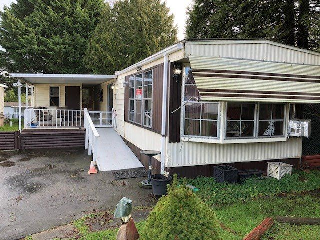 Main Photo: 7 8220 KING GEORGE BOULEVARD in : East Newton Manufactured Home for sale : MLS®# R2434788