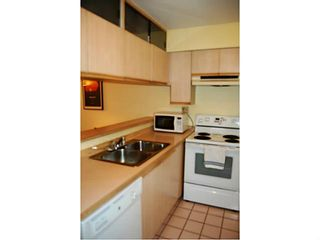 """Photo 5: 104 3199 WILLOW Street in Vancouver: Fairview VW Condo for sale in """"VGH"""" (Vancouver West)  : MLS®# V997862"""