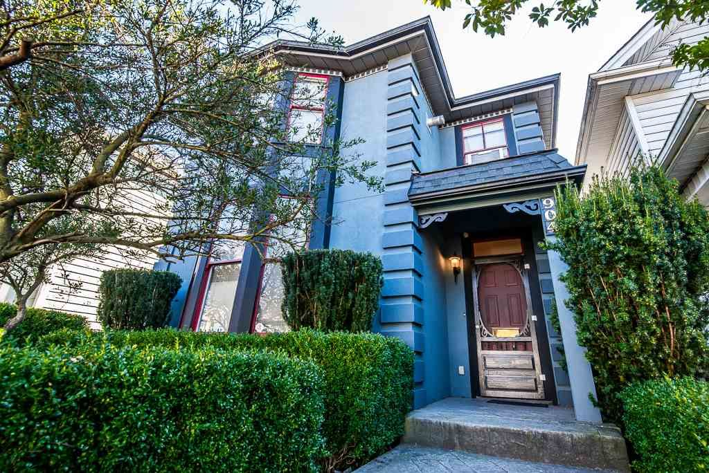Main Photo: 904 THIRD Avenue in New Westminster: Uptown NW House for sale : MLS®# R2344381