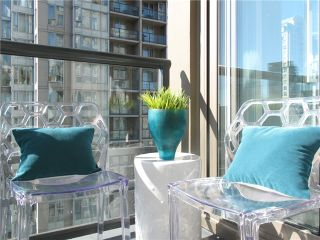 """Photo 13: 1807 1001 HOMER Street in Vancouver: Yaletown Condo for sale in """"The Bentley"""" (Vancouver West)  : MLS®# V1076353"""