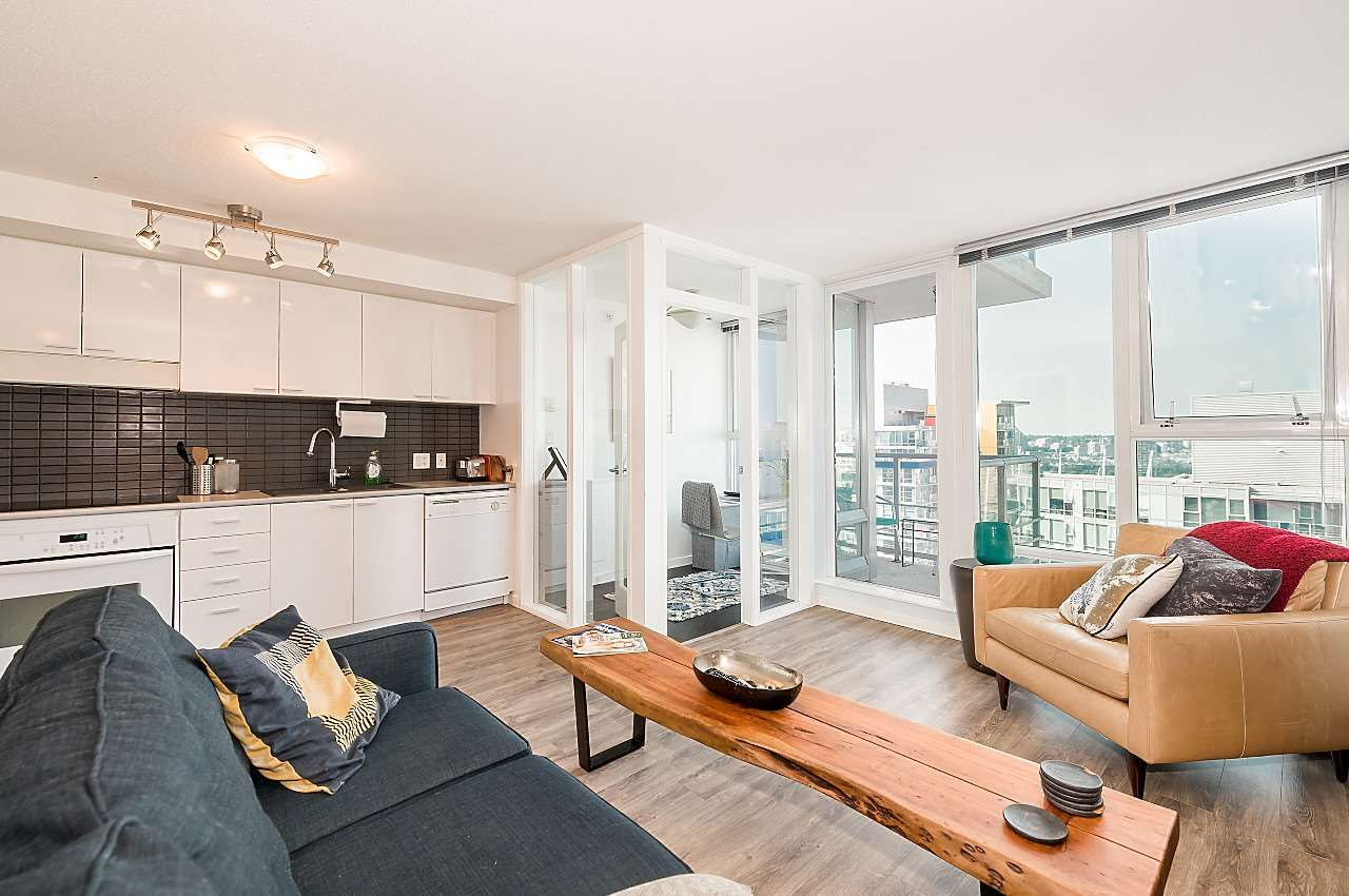 """Main Photo: 3302 602 CITADEL PARADE in Vancouver: Downtown VW Condo for sale in """"SPECTRUM 4"""" (Vancouver West)  : MLS®# R2197310"""