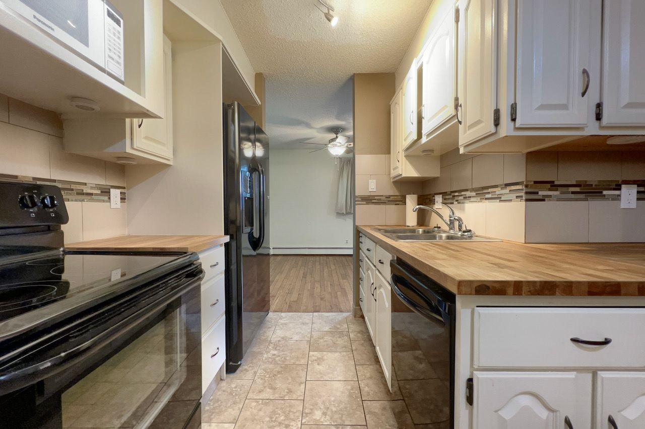 Main Photo:  in Edmonton: Condo for rent (Blue Quill)