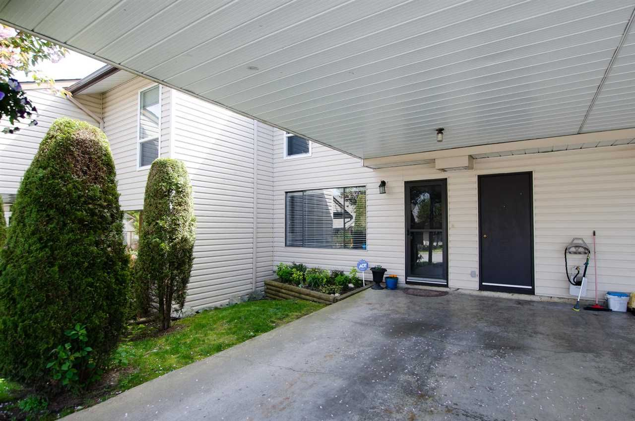 """Main Photo: 307 27411 28 Avenue in Langley: Aldergrove Langley Townhouse for sale in """"ALDERVIEW"""" : MLS®# R2378963"""