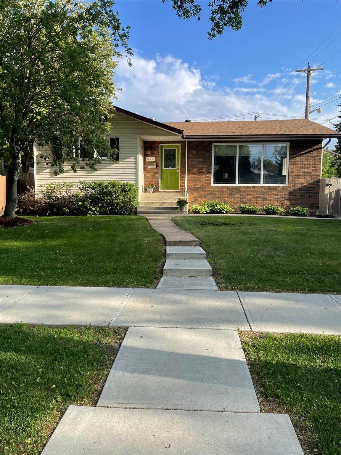 Main Photo: 13901 107A Avenue in Edmonton: Zone 07 House for sale : MLS®# E4252510
