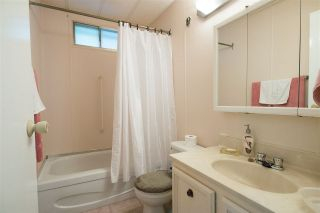 """Photo 8: 48 2305 200 Street in Langley: Brookswood Langley Manufactured Home for sale in """"CEDAR LANE"""" : MLS®# R2061584"""