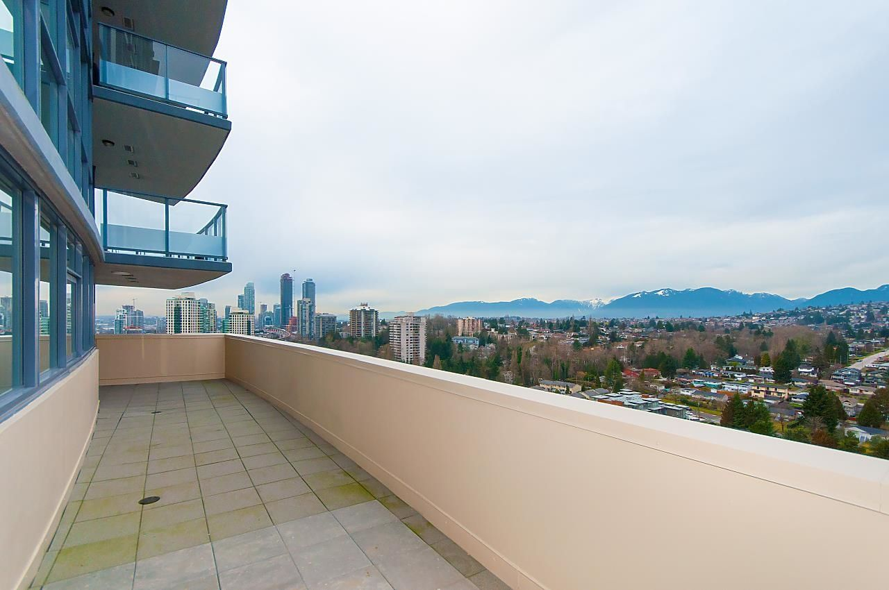 """Main Photo: 2604 5611 GORING Street in Burnaby: Central BN Condo for sale in """"Legacy"""" (Burnaby North)  : MLS®# R2624537"""