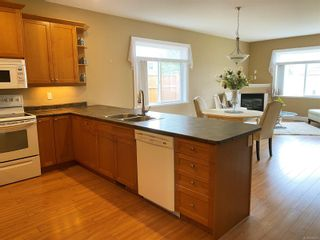 Photo 6: 2414 Tiger Moth Pl in : CV Comox (Town of) House for sale (Comox Valley)  : MLS®# 878537
