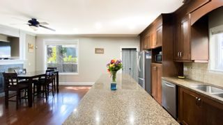 Photo 5: 5959 128A Street in Surrey: Panorama Ridge House for sale : MLS®# R2617515