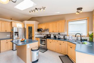 Photo 12: 2255 BRENNAN Court in Edmonton: Zone 58 House for sale : MLS®# E4244248