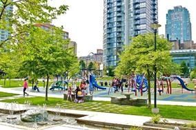 """Photo 3: 410 488 HELMCKEN Street in Vancouver: Yaletown Condo for sale in """"Robinson Tower"""" (Vancouver West)  : MLS®# R2239699"""