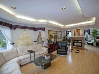 Photo 6: 223 Wilson Lane in Edmonton: Zone 22 House for sale : MLS®# E4220385