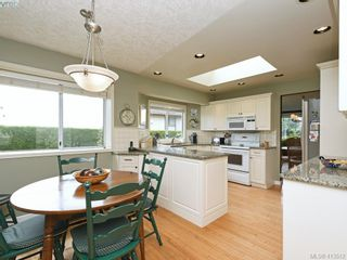 Photo 13: 4731 AMBLEWOOD Dr in VICTORIA: SE Cordova Bay House for sale (Saanich East)  : MLS®# 820003