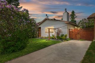 Photo 1: 780 Ranchview Circle NW in Calgary: Ranchlands Semi Detached for sale : MLS®# A1113497