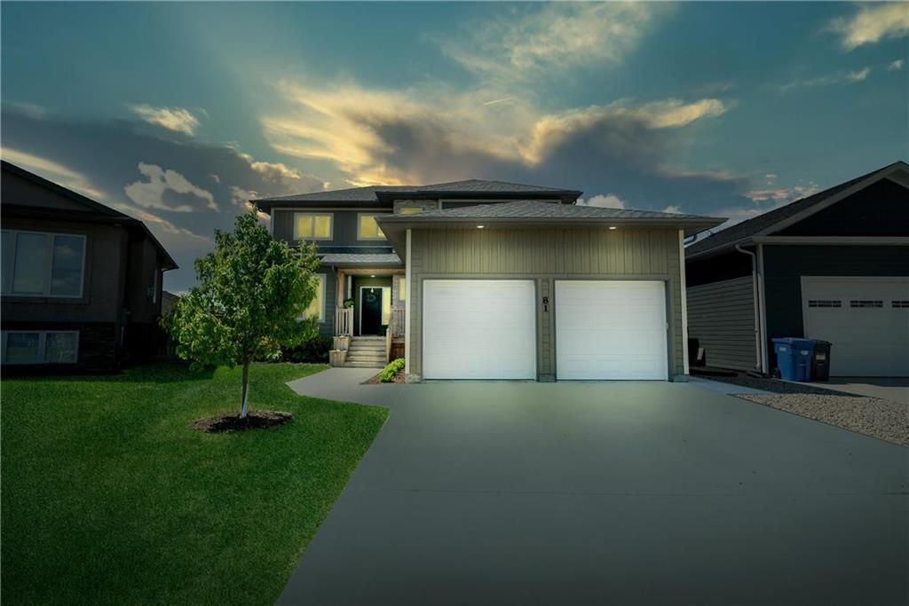 Main Photo: 81 CLAREMONT Drive in Niverville: Fifth Avenue Estates Residential for sale (R07)  : MLS®# 202012296
