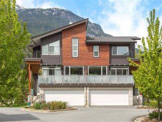 "Photo 1: 3 41488 BRENNAN Road in Squamish: Brackendale 1/2 Duplex for sale in ""RIVENDALE"" : MLS®# R2358190"
