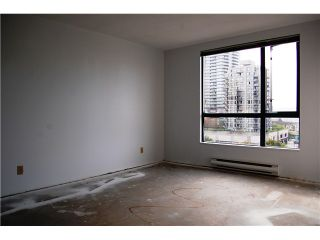 "Photo 5: # 402 - 98 10TH Street in New Westminster: Downtown NW Condo for sale in ""PLAZA POINTE"" : MLS®# V1018924"