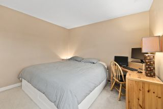 """Photo 16: 915 BRITTON Drive in Port Moody: North Shore Pt Moody Townhouse for sale in """"WOODSIDE VILLAGE"""" : MLS®# R2554809"""
