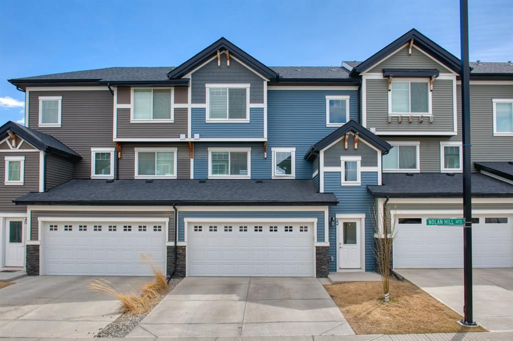 Main Photo: 22 Nolan Hill Heights NW in Calgary: Nolan Hill Row/Townhouse for sale : MLS®# A1101368
