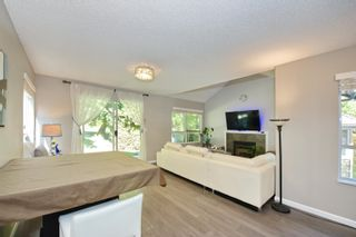 """Photo 8: 3 9000 ASH GROVE Crescent in Burnaby: Forest Hills BN Townhouse for sale in """"Ashbrook Place"""" (Burnaby North)  : MLS®# R2615088"""