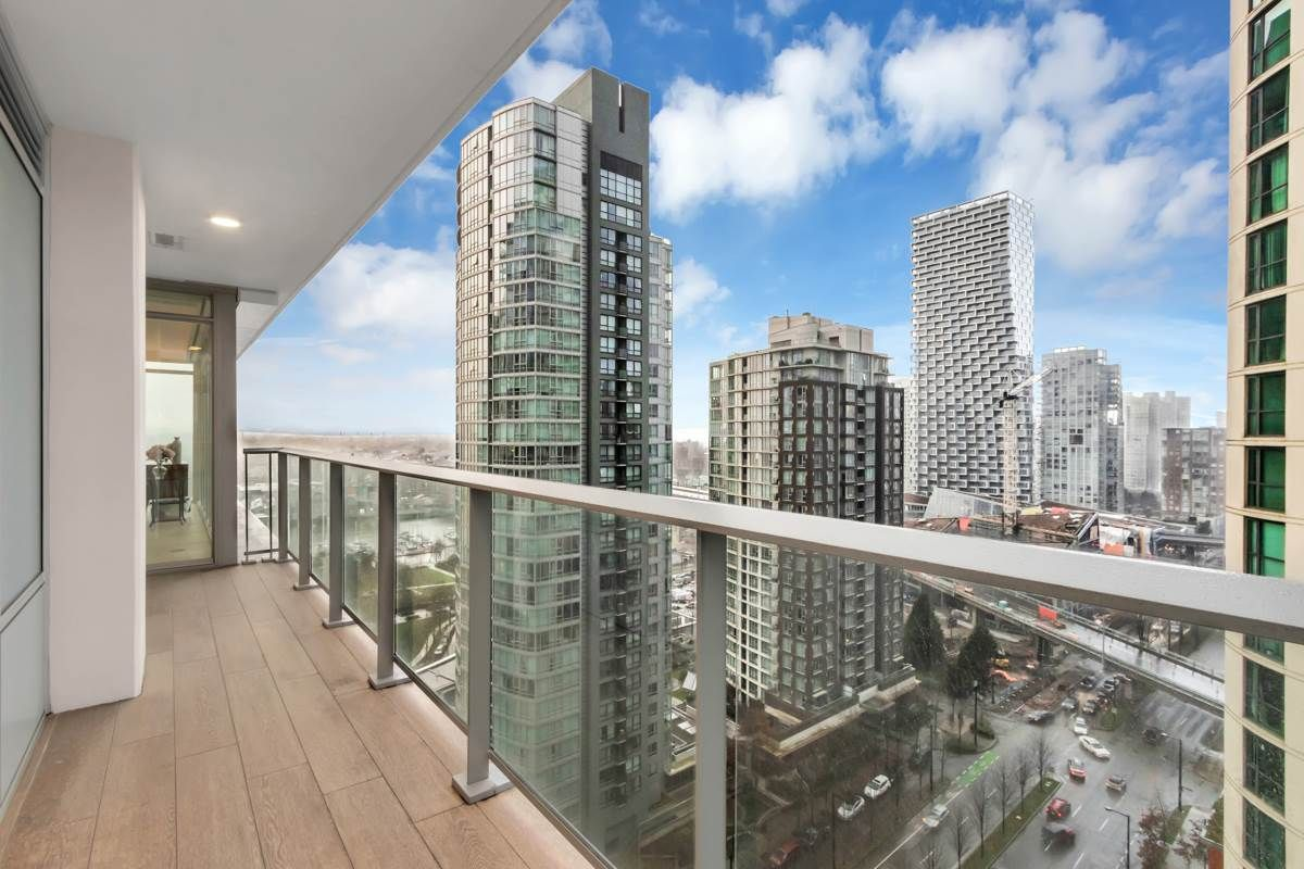 """Photo 14: Photos: 2001 499 PACIFIC Street in Vancouver: Yaletown Condo for sale in """"The Charleson"""" (Vancouver West)  : MLS®# R2456013"""