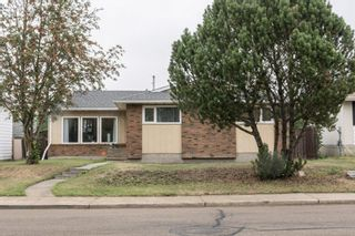 Photo 2: 703 KNOTTWOOD Road S in Edmonton: Zone 29 House for sale : MLS®# E4261398