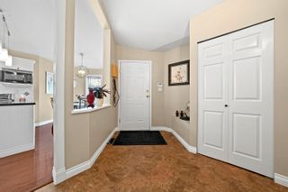 Photo 4: 5 6488 168 Street in Surrey: Cloverdale BC Townhouse for sale (Cloverdale)  : MLS®# R2622454
