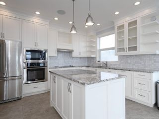 Photo 5: 204 9730 Eastview Dr in : Si Sidney South-East Condo for sale (Sidney)  : MLS®# 869965