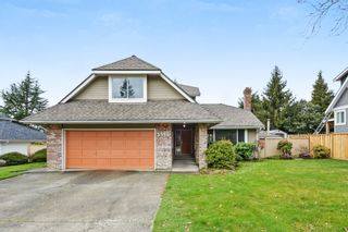 """Photo 1: 5445 185 Street in Surrey: Cloverdale BC House for sale in """"HUNTER PARK"""" (Cloverdale)  : MLS®# R2243893"""