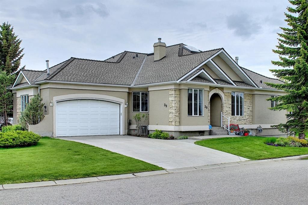Main Photo: 39 Scimitar Landing NW in Calgary: Scenic Acres Semi Detached for sale : MLS®# A1122776