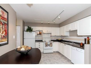 """Photo 5: 17 65 FOXWOOD Drive in Port Moody: Heritage Mountain Townhouse for sale in """"FOREST HILL"""" : MLS®# V1125839"""