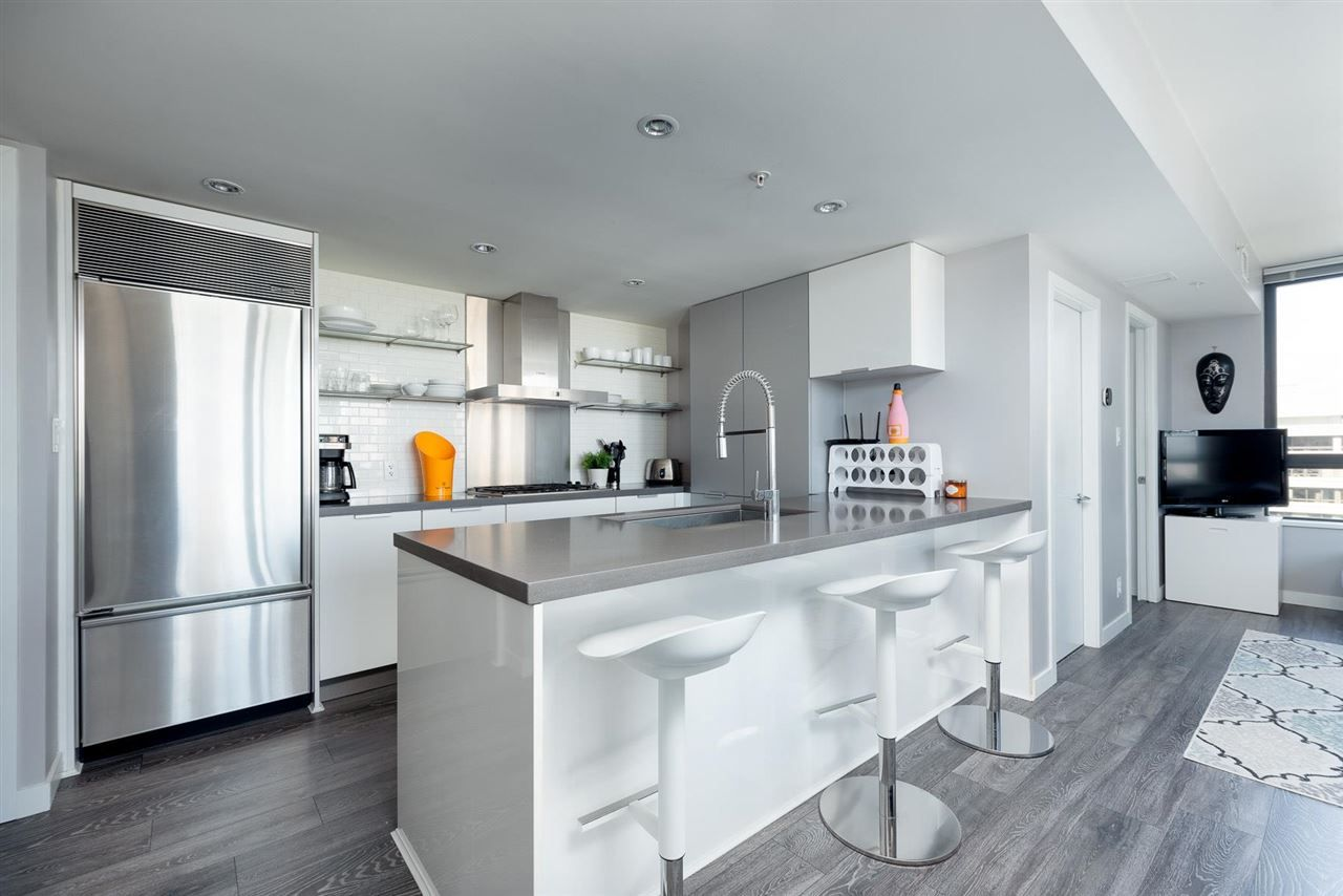"""Main Photo: 1708 788 RICHARDS Street in Vancouver: Downtown VW Condo for sale in """"L'Hermitage"""" (Vancouver West)  : MLS®# R2577742"""