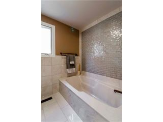 Photo 16: 5939 COACH HILL Road SW in Calgary: Coach Hill House for sale : MLS®# C4102236